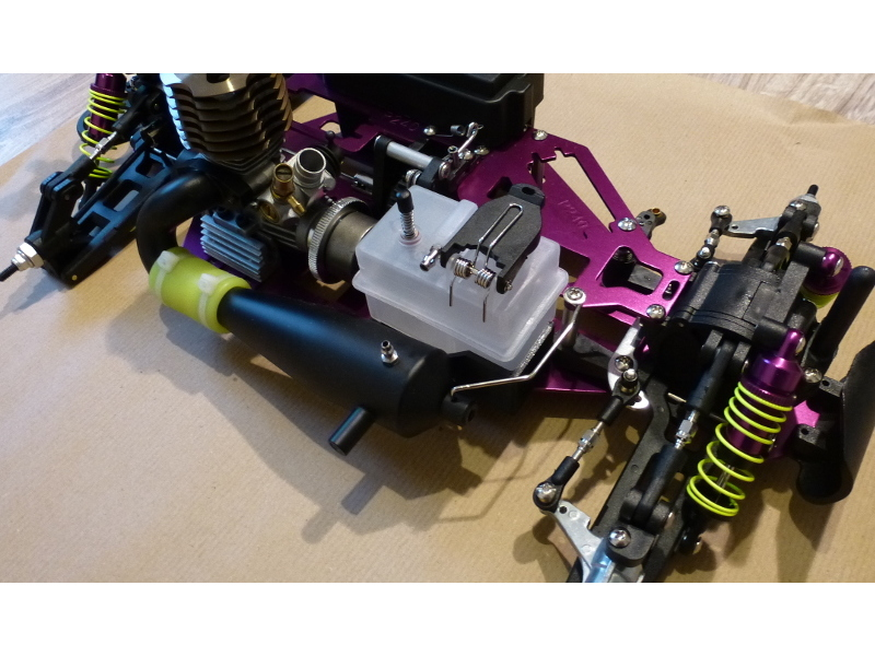 Detail chassis Reservoir pour GT15 et Avioracing Serie Tuning 1/10